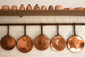 Kupferpfannen hängend